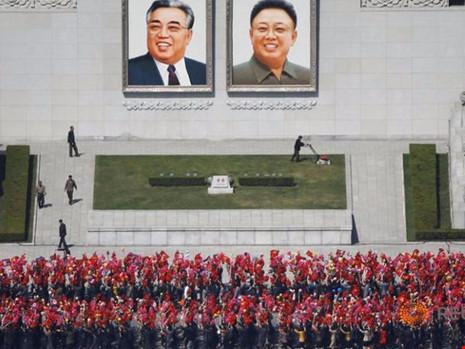 Báo Nga: Triều Tiên sơ tán khẩn 600.000 dân khỏi thủ đô - Ảnh 1.