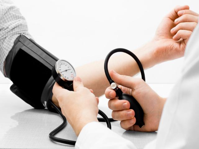 Những người có nguy cơ mắc bệnh thận: Bạn nên biết sớm còn đề phòng - Ảnh 3.