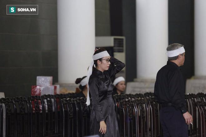 Gia đình, đồng nghiệp nghẹn ngào ở đám tang NSƯT Duy Thanh - Ảnh 34.