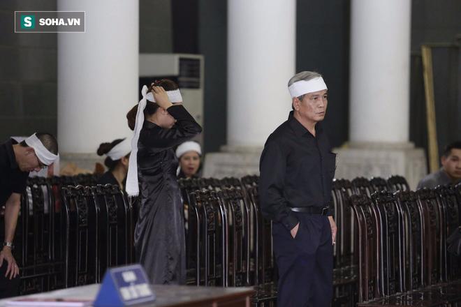 Gia đình, đồng nghiệp nghẹn ngào ở đám tang NSƯT Duy Thanh - Ảnh 33.