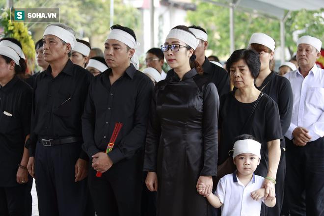 Gia đình, đồng nghiệp nghẹn ngào ở đám tang NSƯT Duy Thanh - Ảnh 32.