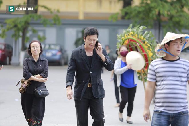 Gia đình, đồng nghiệp nghẹn ngào ở đám tang NSƯT Duy Thanh - Ảnh 31.