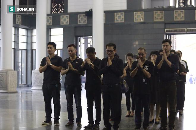 Gia đình, đồng nghiệp nghẹn ngào ở đám tang NSƯT Duy Thanh - Ảnh 19.