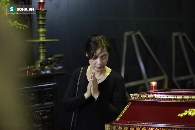Gia đình, đồng nghiệp nghẹn ngào ở đám tang NSƯT Duy Thanh - Ảnh 12.