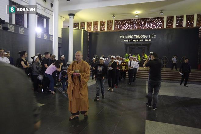 Gia đình, đồng nghiệp nghẹn ngào ở đám tang NSƯT Duy Thanh - Ảnh 4.