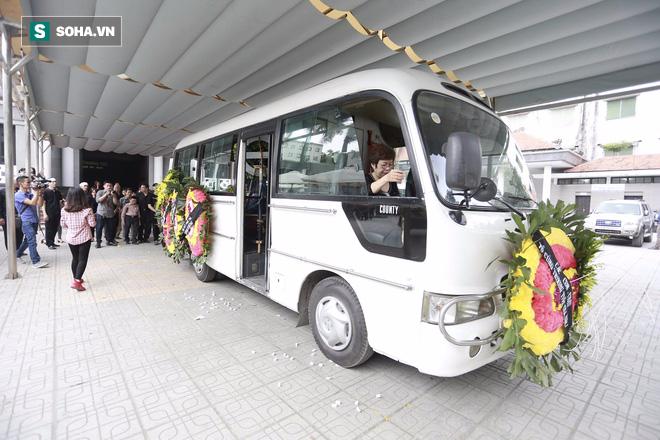 Gia đình, đồng nghiệp nghẹn ngào ở đám tang NSƯT Duy Thanh - Ảnh 5.