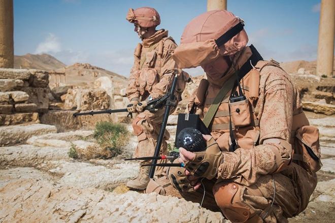 Xem công binh Nga dùng công nghệ cao tại Syria - Ảnh 1.