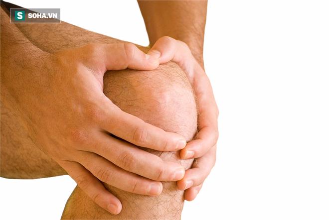 GS Đông y nổi tiếng tiết lộ 3 bí quyết phục hồi xương nhanh áp dụng cho cả người già - Ảnh 1