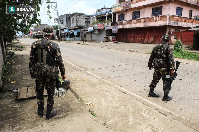 Những hình ảnh đầu tiên từ thành phố ma Marawi, nơi bị IS chiếm đóng ở Philippines - Ảnh 1.