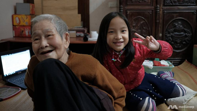Ở tuổi 97, cụ bà này được phong là cụ bà sành sỏi Internet nhất Việt Nam - Ảnh 2.