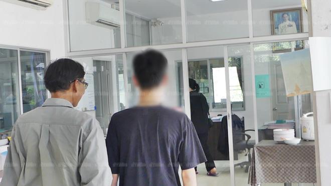 Thái Lan: 15 năm nuôi con với tất cả tình yêu thương, người cha đau đớn phát hiện sự thật bị vợ chôn giấu bấy lâu 2