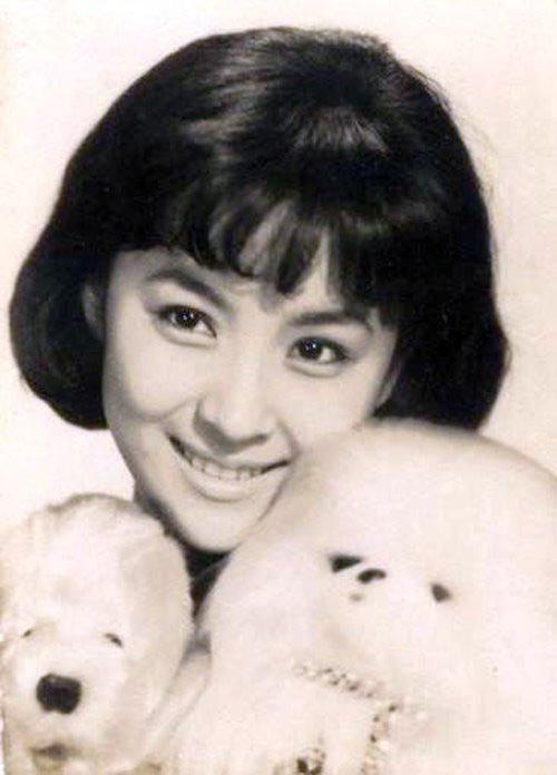 """""""Mỹ nhân đẹp nhất Đài Loan"""": Khi trẻ vạn người theo đuổi, về già nằm liệt giường không người chăm - Ảnh 1"""