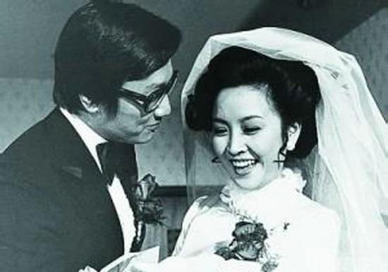 """""""Mỹ nhân đẹp nhất Đài Loan"""": Khi trẻ vạn người theo đuổi, về già nằm liệt giường không người chăm - Ảnh 2"""
