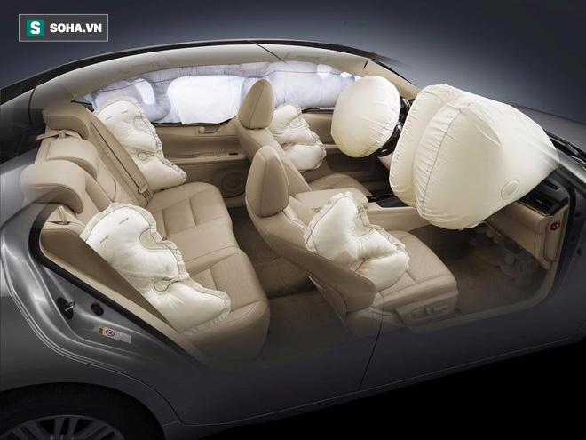 Bung ra với tốc độ 322km/h, liệu túi khí trên ô tô có gây hại cho con người không? - Ảnh 1.