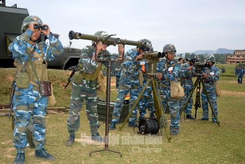 Huấn luyện sát thực tiễn, đáp ứng yêu cầu cao trong bắn đạn thật - Ảnh 3.