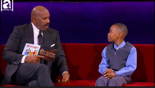 Cậu bé 11 tuổi quay video yêu cầu người lớn dạy lại con mình vì chê mang giày rẻ tiền 1