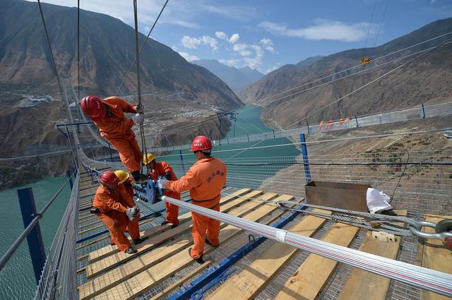 """Góc khuất phía sau những cây cầu """"đệ nhất thiên hạ"""" của Trung Quốc - Ảnh 3"""