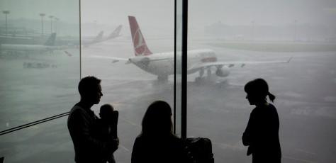 Cả gia đình không nên ngồi cùng một chuyến bay: Lựa chọn không phù hợp - ảnh 1