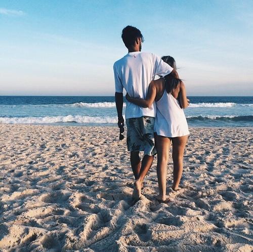 Chàng trai méo mặt vì loạt điều kiện từ nhà gái: Trước 35 tuổi phải có ô tô, 80% lương đưa vợ giữ, lễ tết quà cáp bố mẹ đầy đủ - Ảnh 1.