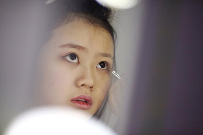 Nền công nghiệp hái ra tiền mới cho giới trẻ Trung Quốc: Chỉ cần livestream, có ngay vài chục triệu - Ảnh 2.