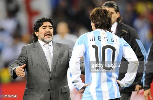 Hé lộ lý do khiến Messi không mời huyền thoại Maradona dự đám cưới - Ảnh 2.
