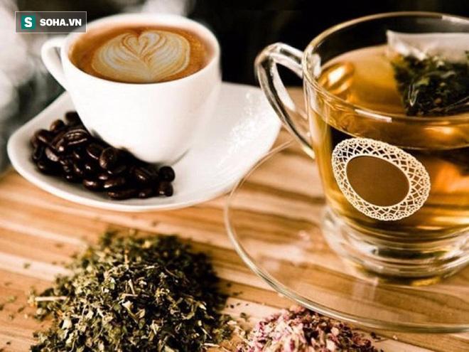 Uống nước trước khi uống trà, cà phê: Việc làm rất cần nhưng không phải ai cũng biết - Ảnh 1.