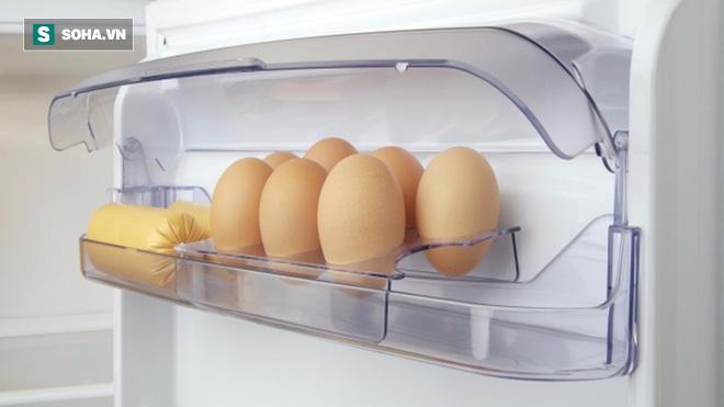 Để trứng, rau, đồ ăn thừa trong tủ lạnh: Nhiều người mắc sai lầm mà không biết - Ảnh 3.