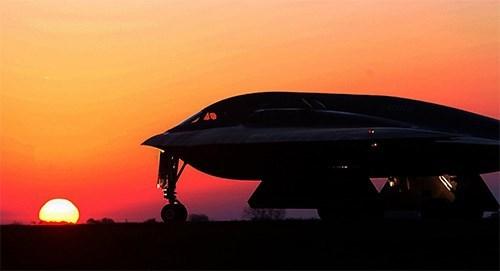 Mỹ công bố chương trình nâng cấp máy bay ném bom tàng hình B-2 Spirit - ảnh 1