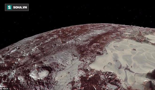 NASA lần đầu công bố bề mặt dị thường của hành tinh xa nhất trong Hệ Mặt trời - Ảnh 1.