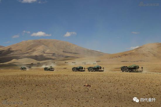 Quân Ấn Độ đào hào, dựng trại đối mặt TQ, Bắc Kinh có thể điều 300.000 lính nếu xung đột - ảnh 1