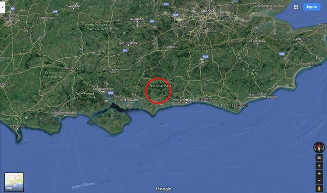 Hình ảnh hiếm có: bằng vệ tinh, Google Maps chụp được cảnh một chiếc máy bay đang lơ lửng giữa trời - Ảnh 1.