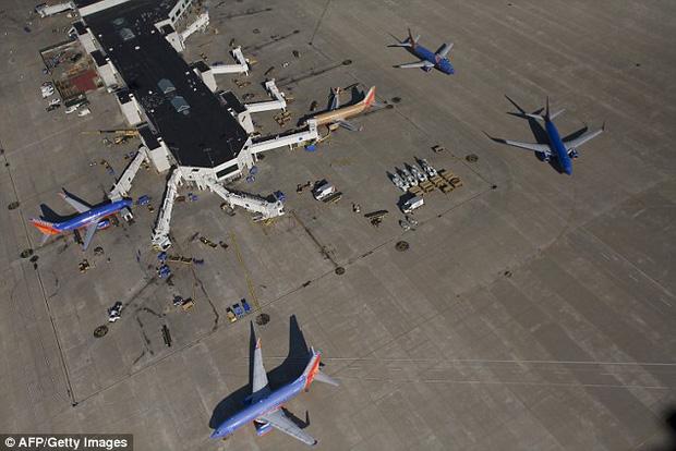 Hàng trăm túi hành lý của hãng hàng không Southwest Airlines bị ô nhiễm vì sự cố hi hữu đến từ… phòng vệ sinh - Ảnh 1.