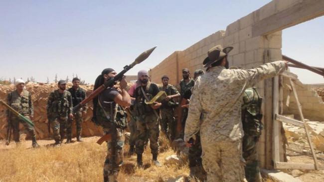 """""""Hổ Syria"""" sát cánh quân tình nguyện tiến đánh IS trên chiến trường Hama - Ảnh 2."""