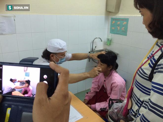 BS Bệnh viện Nhi đồng 1: Khi trẻ sốt cao co giật, cha mẹ tuyệt đối không mắc sai lầm này - Ảnh 2.