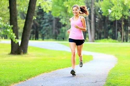 Những cách tập thể dục nguy hại có thể khiến bạn yếu hơn - Ảnh 1.