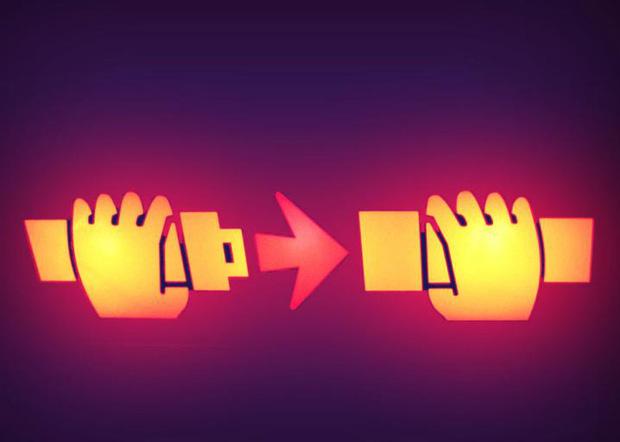 Cẩn thận bị phạt rất nặng nếu bạn làm điều này khi đang ở trên máy bay - Ảnh 1.