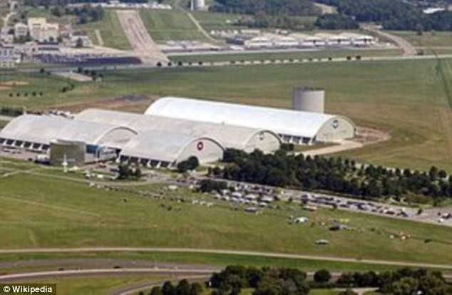 Không quân Hoa Kỳ bị chính kỹ sư của mình công bố sự thật về vụ rơi UFO tại Roswell - Ảnh 3.