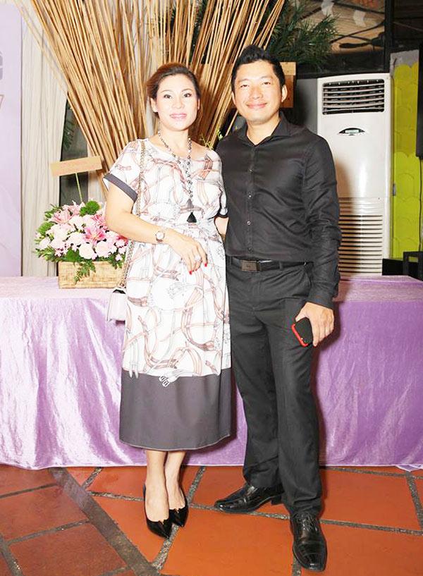 Cưới vợ hơn 1 năm, Kinh Quốc lần đầu tiên chia sẻ về người vợ đại gia bằng tuổi - Ảnh 2.