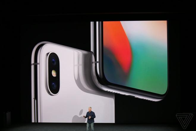 Đây là iPhone X: Giá từ 1000 USD, thiết kế toàn màn hình, loại bỏ nút Home và Touch ID, nhận diện khuôn mặt Face ID, màn hình Super Retina Display - Ảnh 2.