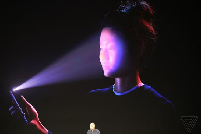 Dù iPhone X có bảo mật khuôn mặt hiện đại thế nào, nhưng 100% nó sẽ chào thua với thói quen này của người Việt - Ảnh 2.