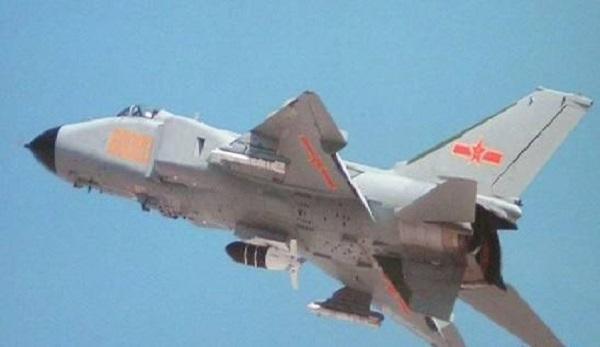 Phóng viên đột kích nhà máy sản xuất tiêm kích J-11 Trung Quốc: Phát hiện điều bất ngờ - Ảnh 2.