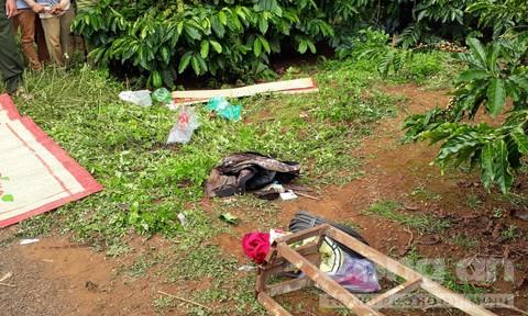 Vụ chồng giết vợ bằng 36 nhát dao: CA mời em gái nạn nhân lên lấy lời khai - Ảnh 3.