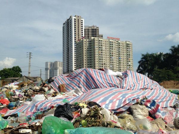 Hà Nội: Hàng trăm căn hộ view đẹp đóng cửa im ỉm cả ngày - Ảnh 1.