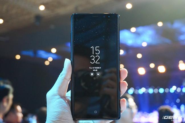 Samsung Galaxy Note8 chính thức ra mắt tại Việt Nam: Thiết kế ấn tượng, camera kép xóa phông chủ động, giá 22,5 triệu - Ảnh 2.