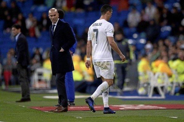Zidane ra tay xử Ronaldo, kết quả không ngờ - Ảnh 2.