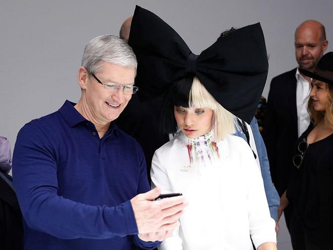 Một ngày bình thường của CEO Tim Cook – người bán iPhone đắt nhất lịch sử: Thức dậy từ 3:45 a.m, nhận 800 email mỗi ngày - Ảnh 2.