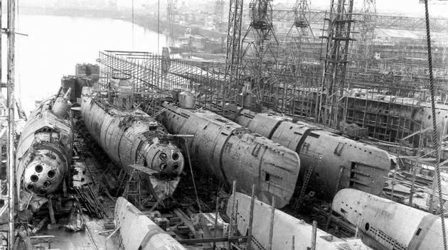 Tàu ngầm Type XXI là tàu ngầm đầu tiên của Đức ra đời nhằm hoạt động hoàn toàn dưới nước.