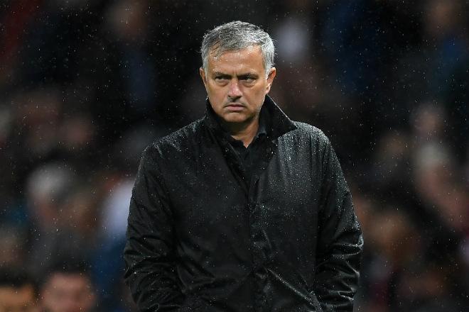MU lâm nguy mất 7 trụ cột: Mourinho chào đón tháng 10 giông bão - Ảnh 2.