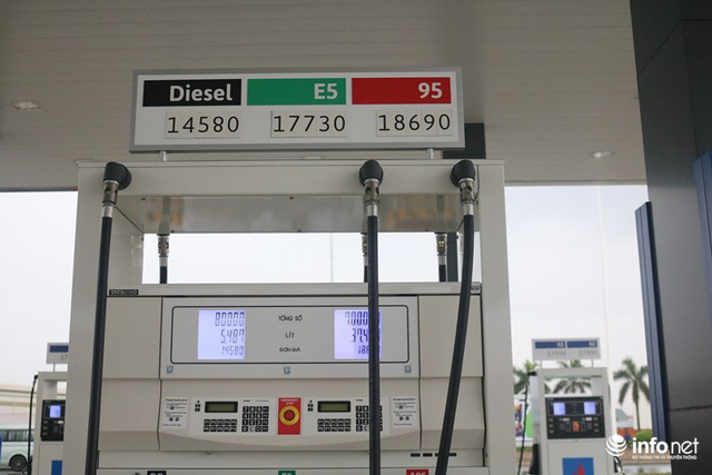 Nhìn người Việt nồng nhiệt chào đón trạm xăng phong cách chuẩn Nhật, Petrolimex, PV Oil có thấy lo lắng không? - Ảnh 1.