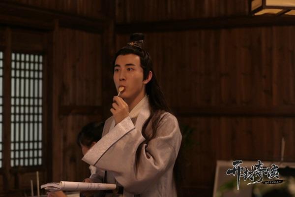 Xuất hiện Bao Công trắng nhất lịch sử phim ảnh - Ảnh 2.